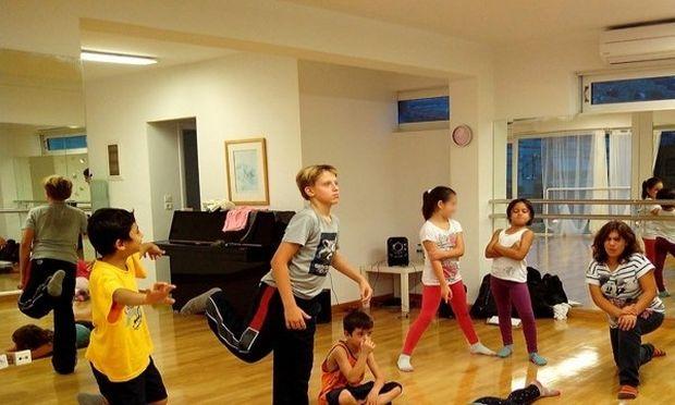 «Χορεύω, άρα επικοινωνώ»: H Στέγη φέρνει το σύγχρονο χορό στα Παιδικά Χωριά SOS