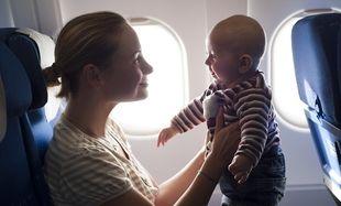 Το πρώτο αεροπορικό ταξίδι με το μωρό σας-Τι θα χρειαστείτε