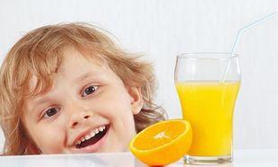 Πότε πρέπει να πίνουν το χυμό πορτοκαλιού τα παιδιά