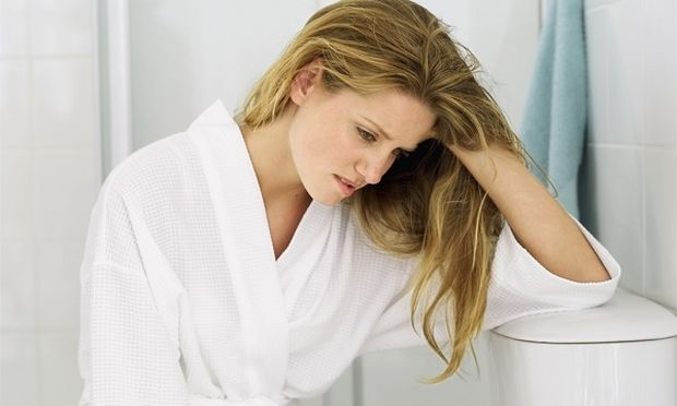 «Καφέ σκούρα υγρά κατά τη διάρκεια της εγκυμοσύνης. Πότε να ανησυχήσω;»