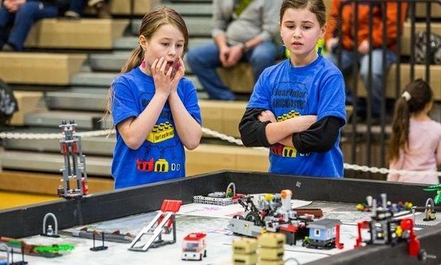 Μαθητές δημιουργούν ρομπότ που μπορούν να βοηθήσουν άτομα με τύφλωση