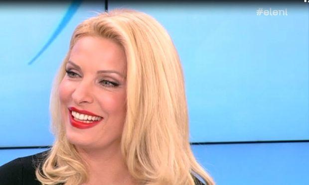 Και η Ελένη Μενεγάκη ενημερώνεται από το Mothersblog.gr (βίντεο)