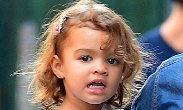 Την αναγνωρίζετε; Είναι η κόρη του γνωστού ηθοποιού...
