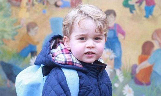 Ο πρίγκιπας Τζορτζ πήγε πρώτη μέρα στο σχολείο! (φωτό)