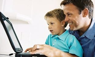 Είστε «φίλοι» με τα παιδιά σας στο facebook;