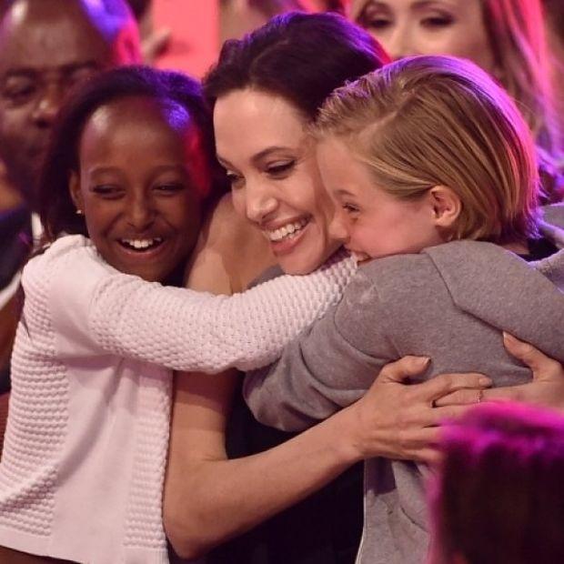 Oι κόρες της Angelina Jolie στις πιο συγκινητικές φωτογραφίες της ημέρας