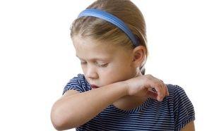 Πώς αντιμετωπίζουμε τον παιδικό βήχα;