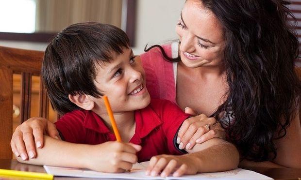 Πώς μπορούν οι γονείς να κάνουν πιο εύκολο το διάβασμα του παιδιού