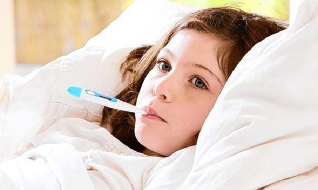 Τι είναι ο οικογενής μεσογειακός πυρετός και σε ποια ηλικία εμφανίζεται;