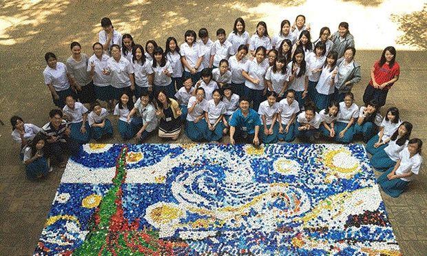 Μαθήτριες από την Ταϊβάν αναδημιουργούν έργο του Βαν Γκογκ με …καπάκια!