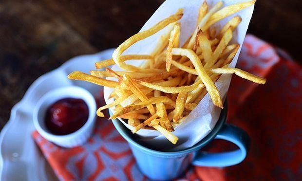 Λεπτές τηγανιτές πατάτες! (εικόνες βήμα-βήμα)