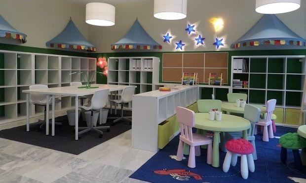 Τα παιδιά πλημμυρίζουν χαμόγελα τη δημοτική παιδική βιβλιοθήκη στο Βαρικό Φλώρινας