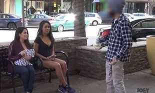 Δείτε τις αντιδράσεις των περαστικών μπροστά σε μια σέξι γυναίκα και μια θηλάζουσα μητέρα! (βίντεο)