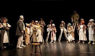 Η όπερα της φτώχειας για μία παράσταση στο Θέατρο Σοφούλη