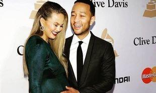 Chrissy Teigen: Στυλάτη ακόμη και στην εγκυμοσύνη της (εικόνες)