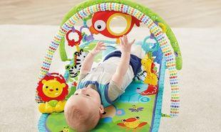 Ένα μουσικό γυμναστήριο που κρατάει το μωρό απασχολημένο με παιχνίδια, ήχους και μουσική!