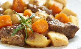 Μοσχαράκι λεμονάτο με πατάτες και καρότα