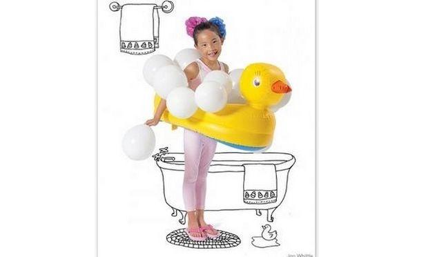 Εύκολη αποκριάτικη στολή: Παπάκι μπάνιου με σαπουνόφουσκες