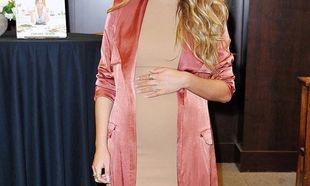 Έμεινε έγκυος με εξωσωματική, επέλεξε το φύλο του μωρού της και τώρα δέχεται την κατακραυγή του κόσμου!
