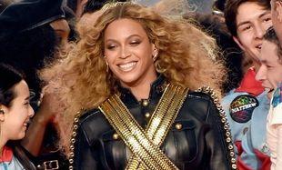 Μπόμπιρας 22 μηνών,γιος γνωστής ηθοποιού είναι φανατικός θαυμαστής της Beyoncé (βίντεο)