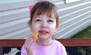 Το κοριτσάκι με την σπάνια ασθένεια στα οστά έχει γενέθλια. Δεν θέλει όμως δώρα...