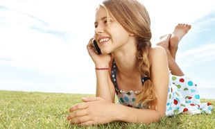 Κινητό και παιδί: «Πότε πρέπει να δώσω κινητό τηλέφωνο στο παιδί μου;»