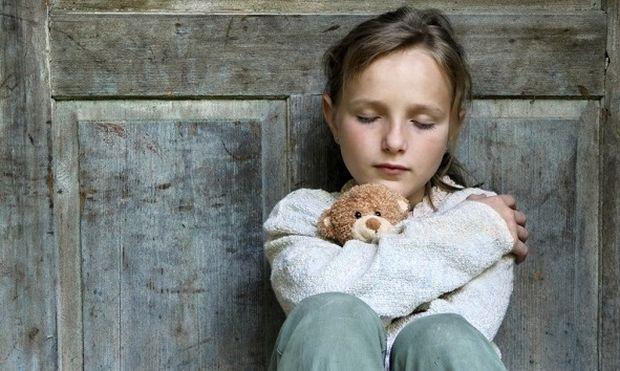 Πώς η απουσία του πατέρα επηρεάζει την εφηβεία των κοριτσιών