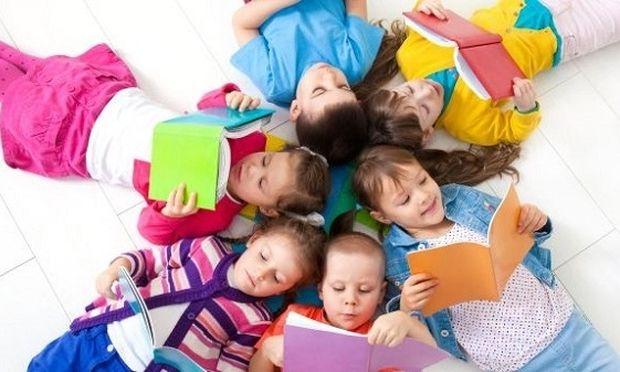 """Σήμερα """"γιορτάζει"""" το παιδικό βιβλίο- Βοηθήστε το παιδί σας να αγαπήσει το διάβασμα"""