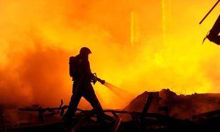 Ασύλληπτη τραγωδία: Οκτώ νεκροί από πυρκαγιά σε σπίτι - Μεταξύ των θυμάτων τρία παιδιά