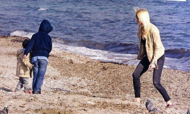Γιάννης και Δημήτρης Λιάγκας: Τα παιδιά του Γιώργου και της Φαίης μεγάλωσαν πολύ. Δείτε τους στο πάρκο!