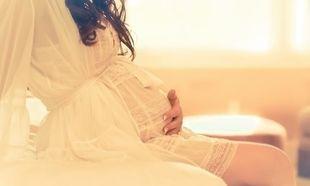 «Είμαι έγκυος και πονάει η κοιλιά μου. Πότε πρέπει να επικοινωνήσω με τον γιατρό μου;»
