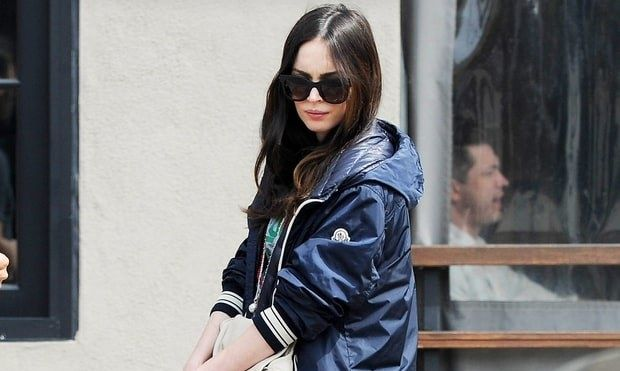Έτσι έκρυβε η Megan Fox την κοιλιά της όλους αυτούς τους μήνες!