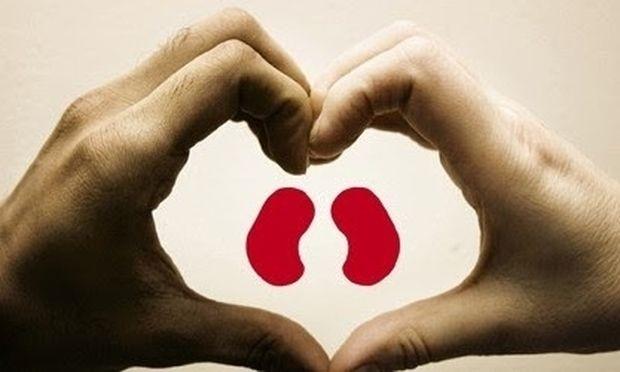 Πατέρας χάρισε το νεφρό του στον 29χρονο γιο του για να τον απαλλάξει από την αιμοκάθαρση