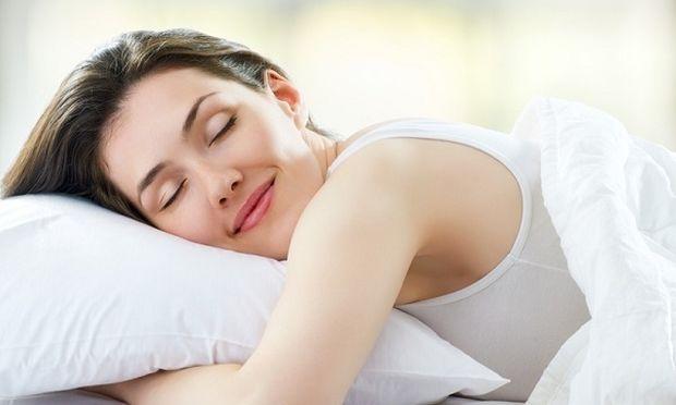 Κοιμάστε αρκετά; Αν όχι, κινδυνεύετε από κρυολόγημα ή άλλες λοιμώξεις