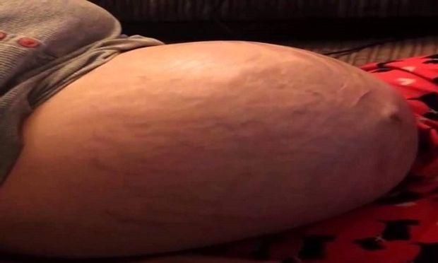 Συγκλονιστικό: Δείτε πώς κινείται το μωρό στην κοιλιά της μητέρας του (βίντεο)