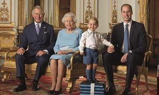 Ο πρίγκιπας George έγινε και γραμματόσημο- Φωτογραφήθηκε με την 90χρονη γιαγιά του