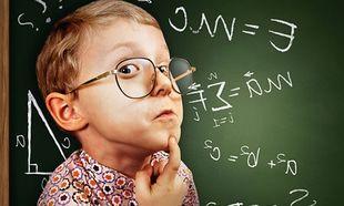 Άφωνη άφησε με τις ικανότητές του, τη δασκάλα του ο μαθητής της Β' Δημοτικού. Δείτε τι έκανε μέσα στην τάξη