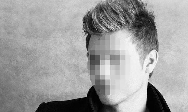 Πασίγνωστος τραγουδιστής έγινε για πρώτη φορά μπαμπάς και κανείς δεν το πήρε είδηση! (εικόνα)