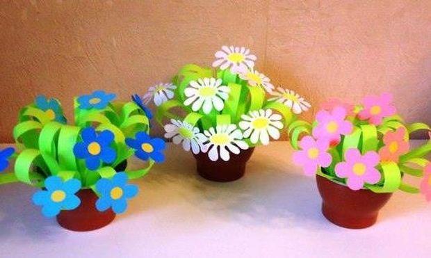 Χειροτεχνία: Πασχαλινά γλαστράκια με λουλούδια από χαρτόνια (εικόνες)