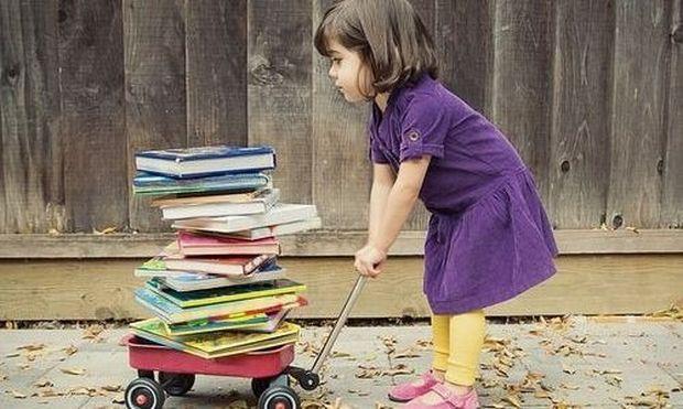 Ευ. Τριβιζάς: «Τα ακατάλληλα παιδικά βιβλία, μπορεί να είναι τοξικά για την παιδική ψυχή»