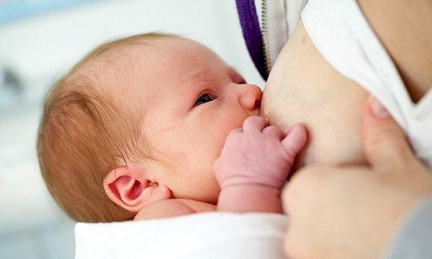 5 χρήσιμα tips για να φροντίσετε το ενός μηνός μωρό σας