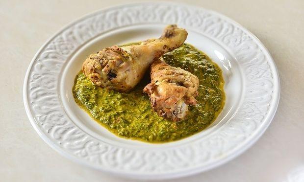 Κοτόπουλο στο φούρνο με φρέσκια σάλτσα μάραθου από τον Γιώργο Γεράρδο!