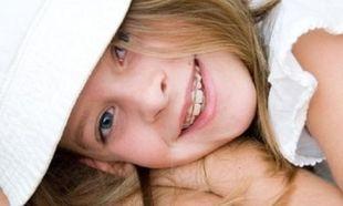 Γιατί πρέπει να αποφεύγονται τα αναψυκτικά από τα παιδιά που φορούν σιδεράκια