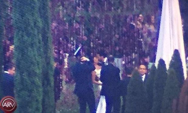 Οι πρώτες φωτογραφίες από τον κρυφό της γάμο κάνουν το γύρο του διαδικτύου