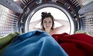 Ποιο είναι το πιο συχνό λάθος στο πλύσιμο των ρούχων που «κοστίζει»