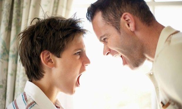 Όταν ο έφηβος αρχίζει να αντιμιλά