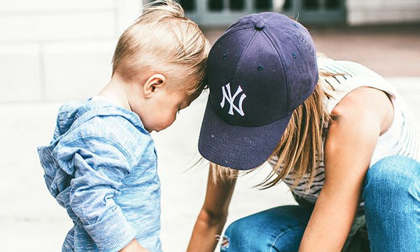 Πώς είναι να είσαι μαμά αγοριού; 11 φωτογραφίες το δείχνουν απ'την καλή και την ανάποδη