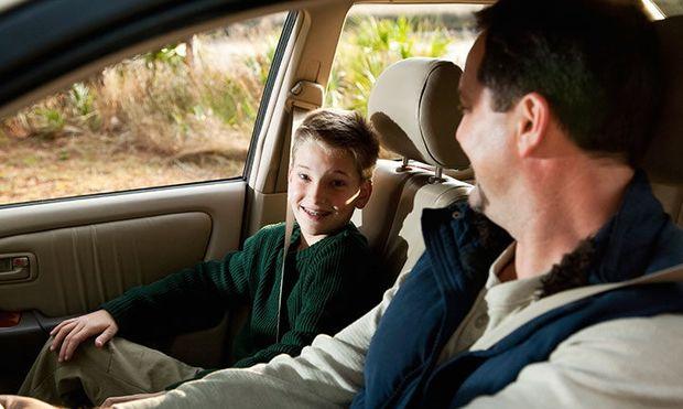 Πότε ένα παιδί μπορεί να κάτσει στο μπροστινό κάθισμα του αυτοκινήτου;