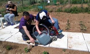 Παιδιά με αναπηρία καλλιεργούν το δικό τους λαχανόκηπο
