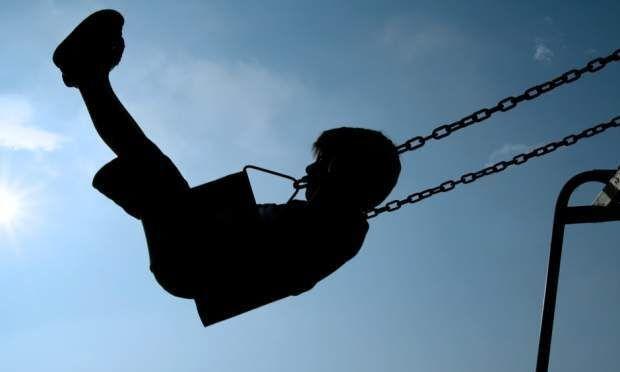 Πώς θα προστατεύσετε τα παιδιά σας από τους παιδόφιλους-Οδηγίες από τον ψυχολόγο της ΕΛ.ΑΣ.